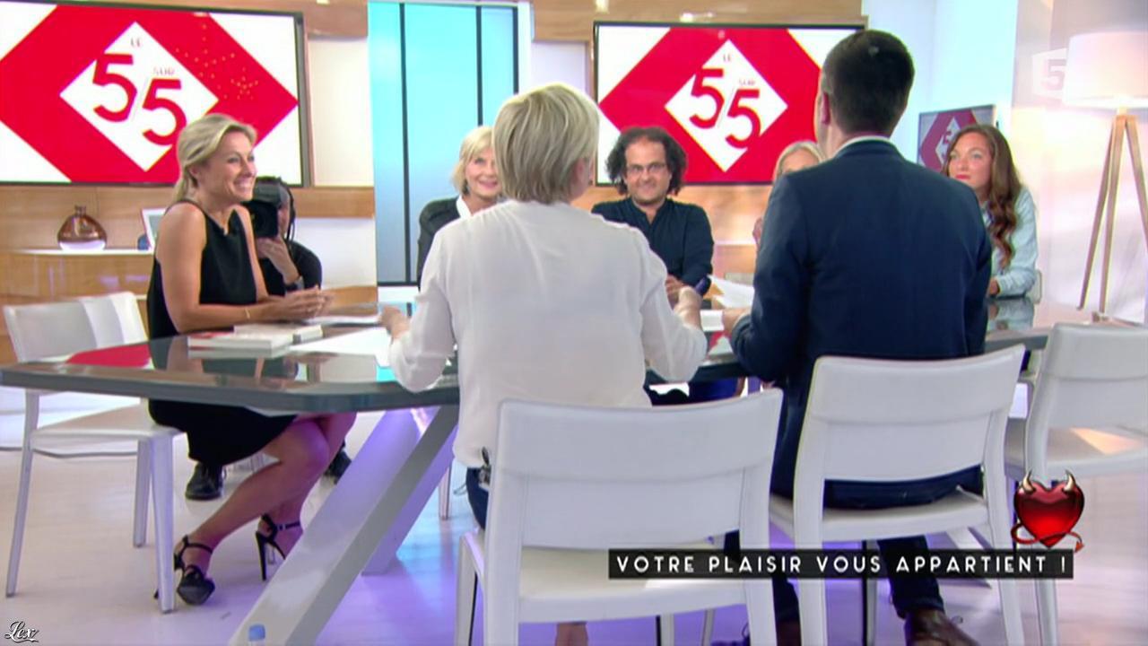 Anne-Sophie Lapix dans C à Vous. Diffusé à la télévision le 27/05/16.