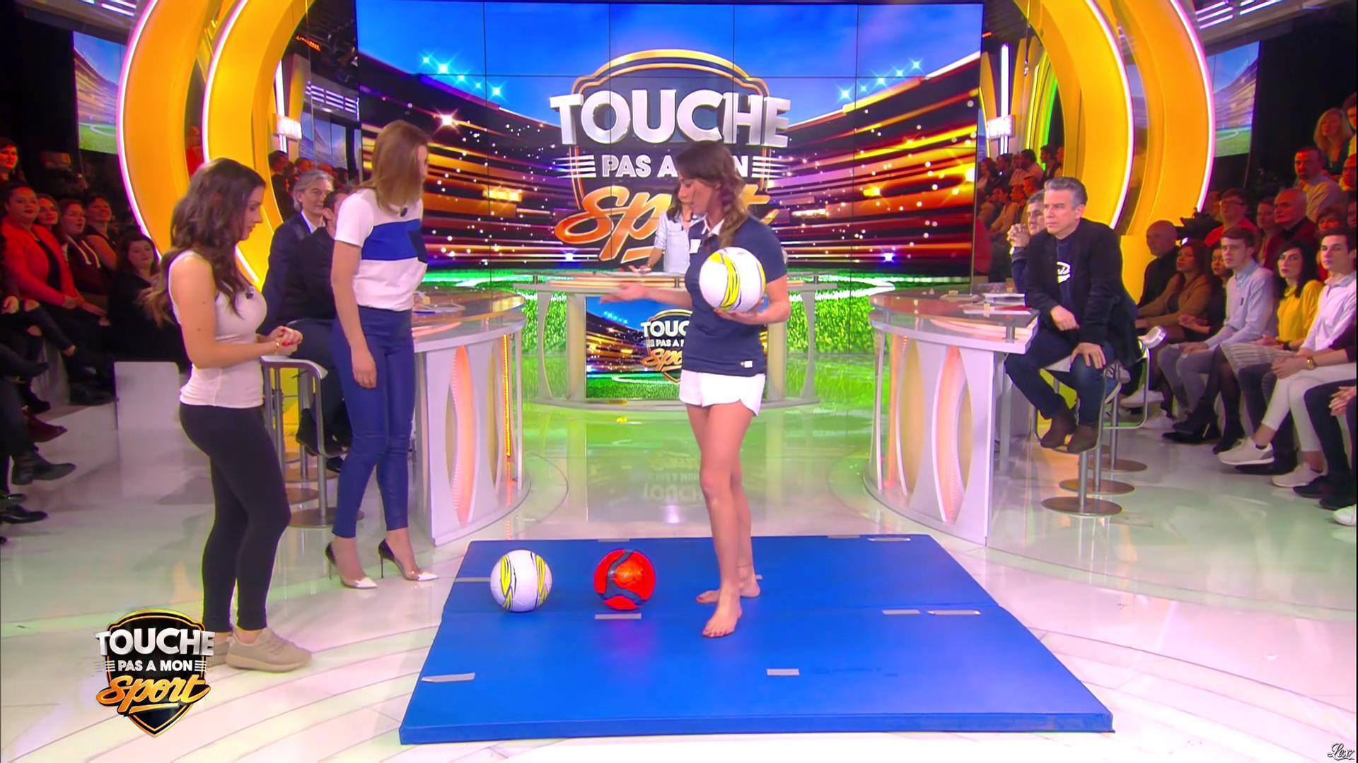 Ariane Brodier dans Touche pas à mon Sport. Diffusé à la télévision le 02/03/16.