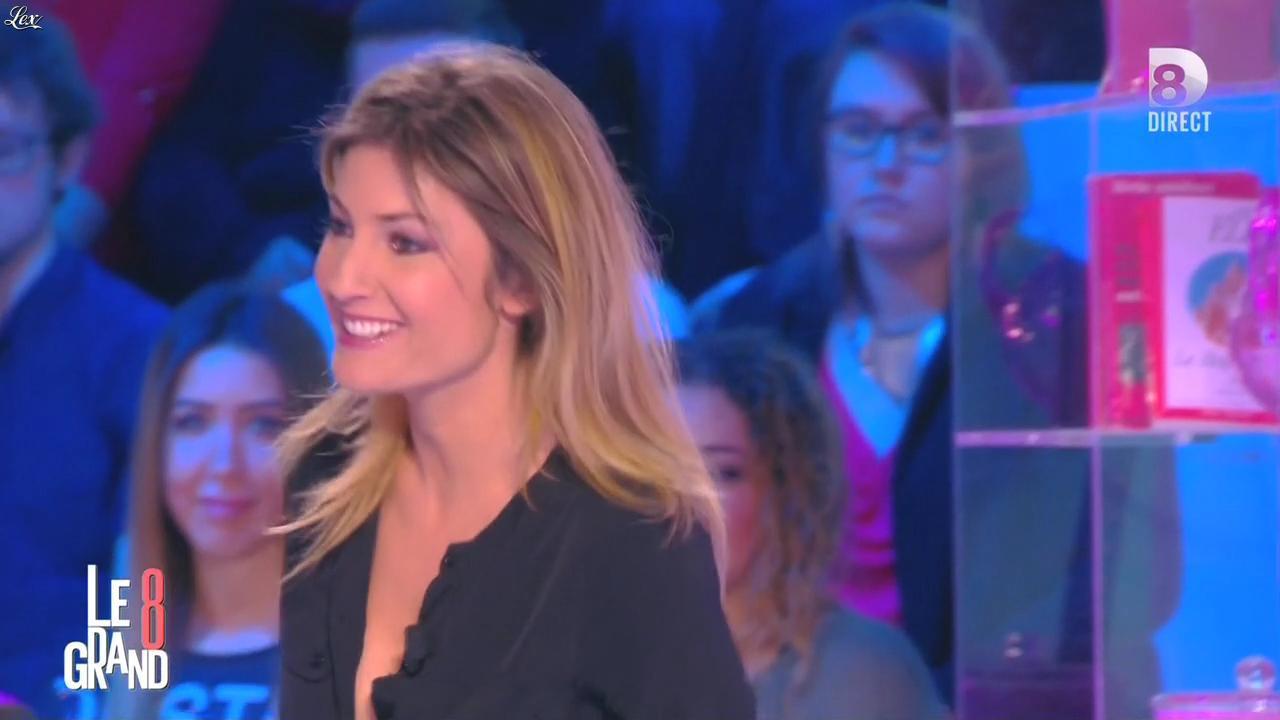 Caroline Ithurbide dans le Grand 8. Diffusé à la télévision le 01/03/16.