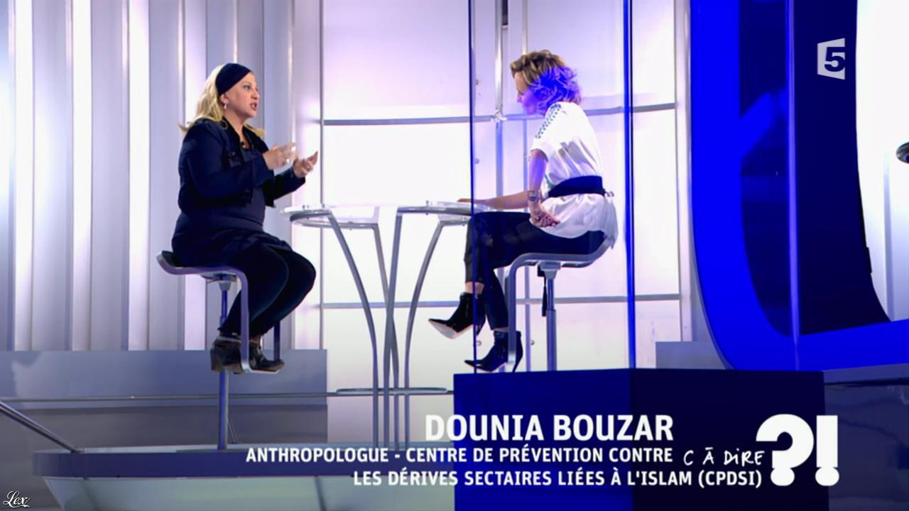 Caroline Roux dans C à Dire. Diffusé à la télévision le 04/03/16.
