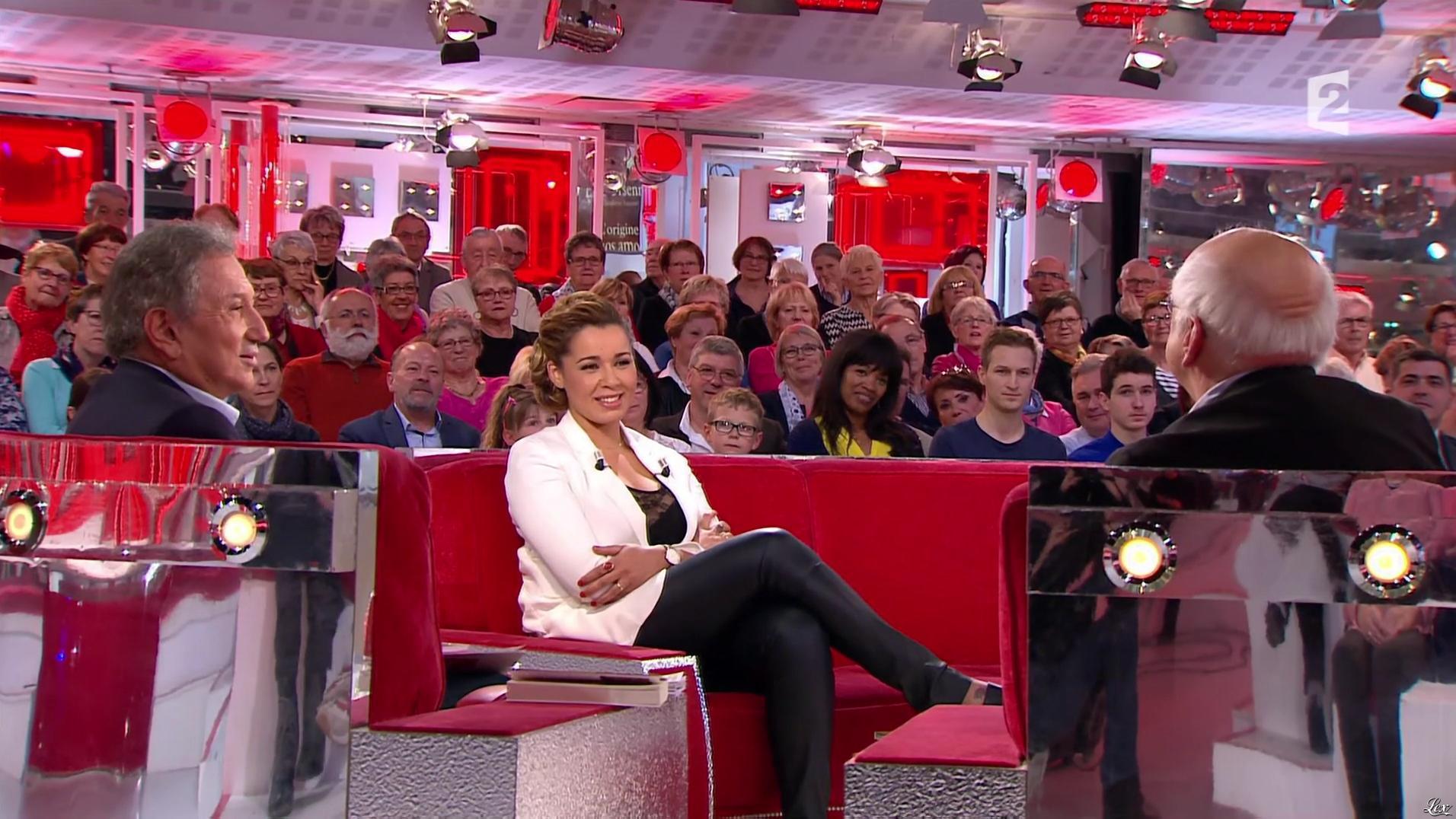 Chimène Badi dans Vivement Dimanche Prochain. Diffusé à la télévision le 01/05/16.