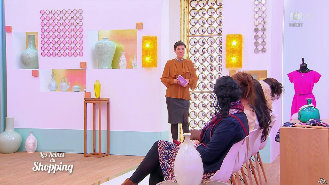 Cristina Cordula et Candidates dans les Reines du Shopping. Diffusé à la télévision le 08/01/16.