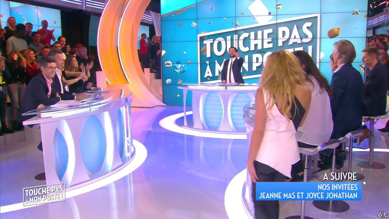 Enora Malagré dans Touche pas à mon Poste. Diffusé à la télévision le 25/02/16.