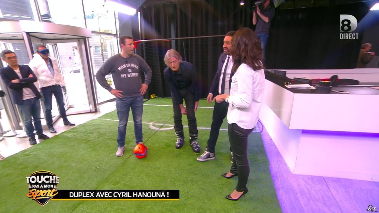 Estelle Denis dans Touche pas à mon Sport. Diffusé à la télévision le 07/04/16.