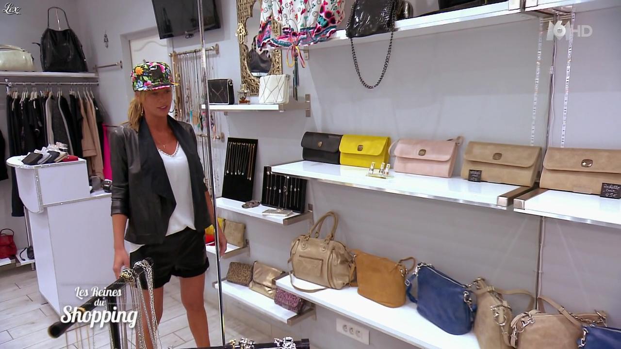 Inconnue dans les Reines du Shopping. Diffusé à la télévision le 25/03/16.