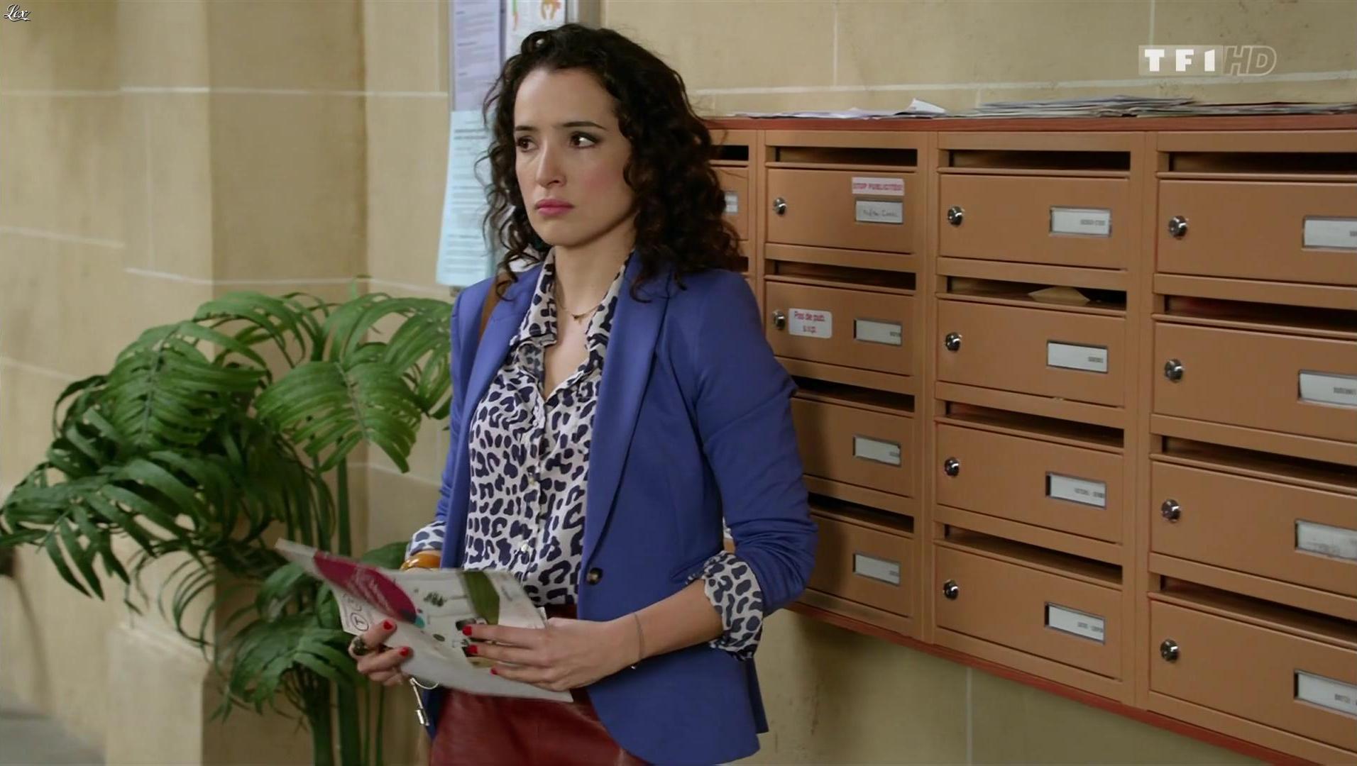 Isabelle Vitari dans Nos Chers Voisins. Diffusé à la télévision le 11/04/16.