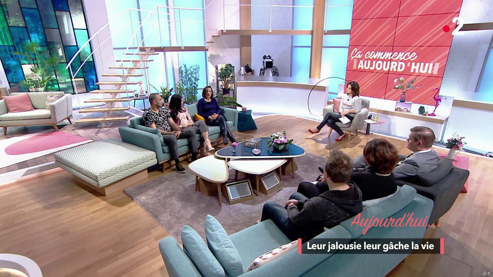 Faustine Bollaert dans Ça Commence Aujourd'hui. Diffusé à la télévision le 12/04/18.