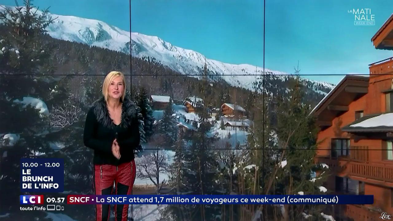 Karine Fauvet dans le Brunch. Diffusé à la télévision le 23/12/17.
