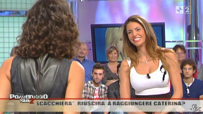 Caterina Balivo et Pamela Camassa dans Pomeriggio Sul Due. Diffusé à la télévision le 26/10/10.