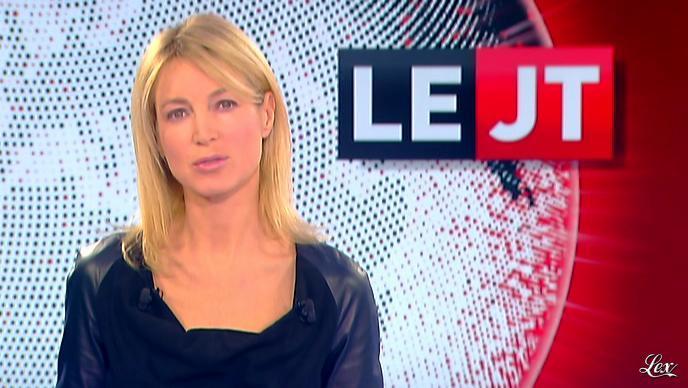 Florence Dauchez dans le JT de Canal Plus. Diffusé à la télévision le 08/11/11.