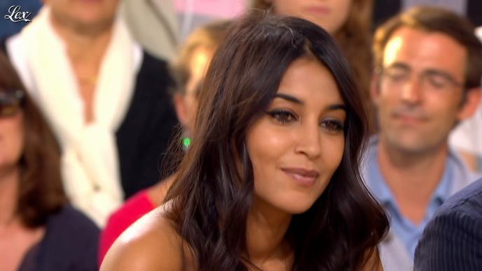 Leïla Bekhti dans le Grand Journal de Canal Plus. Diffusé à la télévision le 18/05/12.