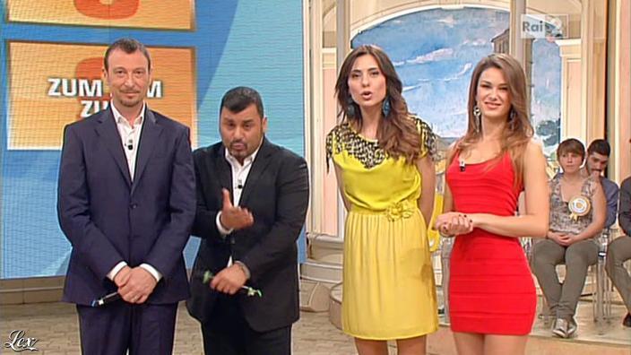 Arianna Rendina dans Mezzogiorno in Famiglia. Diffusé à la télévision le 12/05/13.