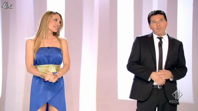 Ilary Blasi dans le Iene. Diffusé à la télévision le 28/04/13.
