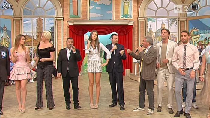 Laura Barriales et Arianna Rendina dans Mezzogiorno in Famiglia. Diffusé à la télévision le 19/05/13.