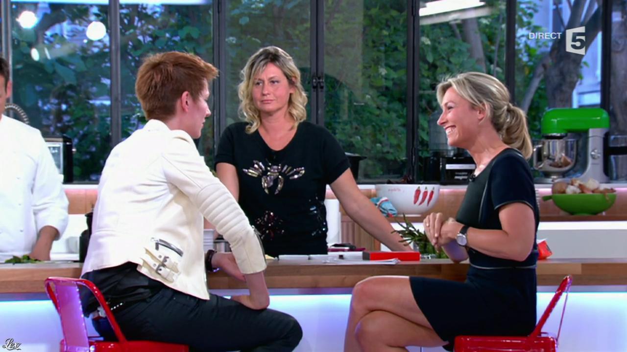 Anne-Sophie Lapix dans C à Vous. Diffusé à la télévision le 14/05/14.