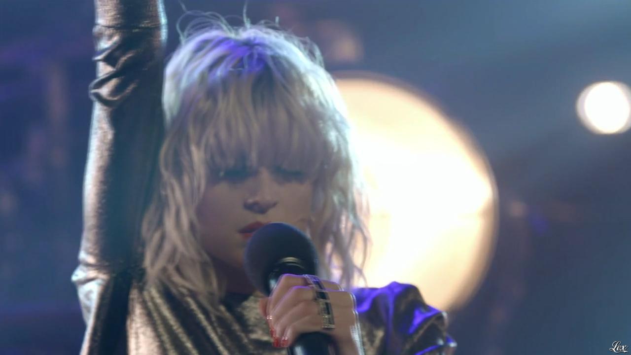 Hollysiz dans les Victoires de la Musique les Révélations. Diffusé à la télévision le 15/02/14.