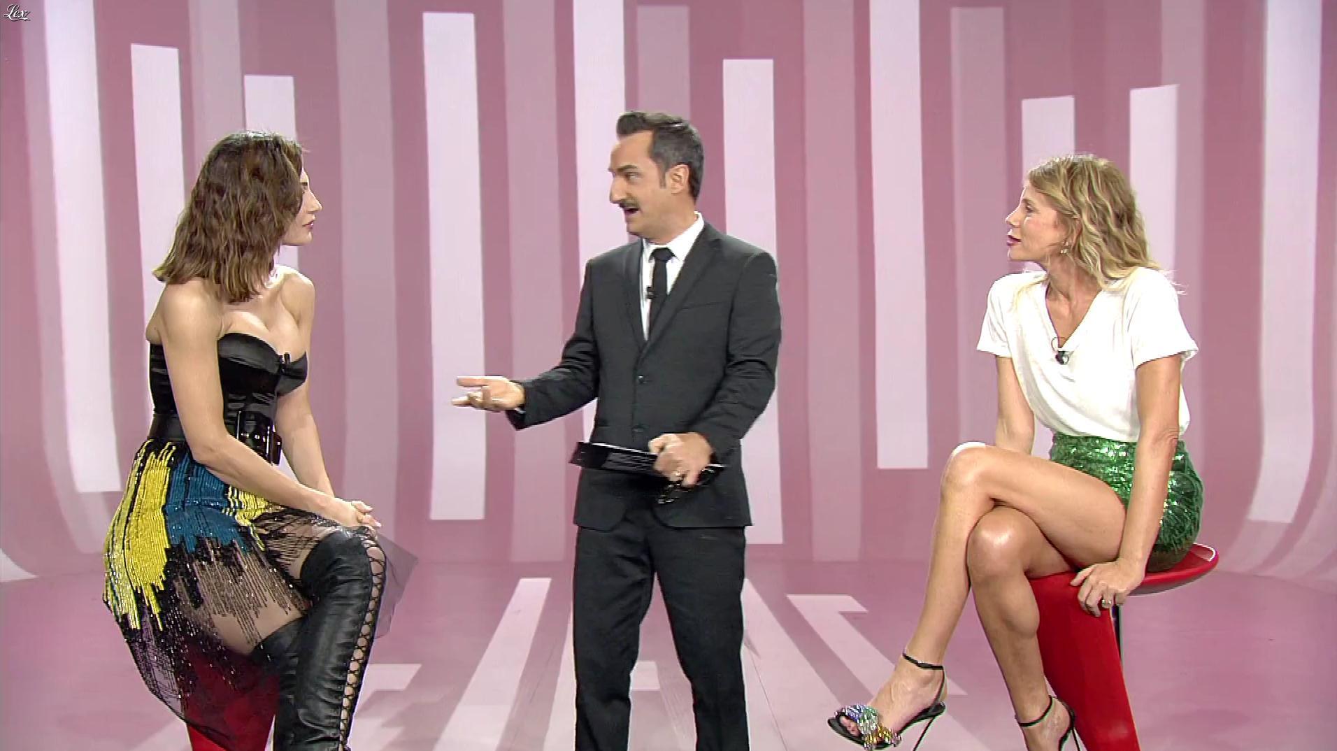 Alessia Marcuzzi et Anna Tatangelo dans le Iene. Diffusé à la télévision le 09/04/19.