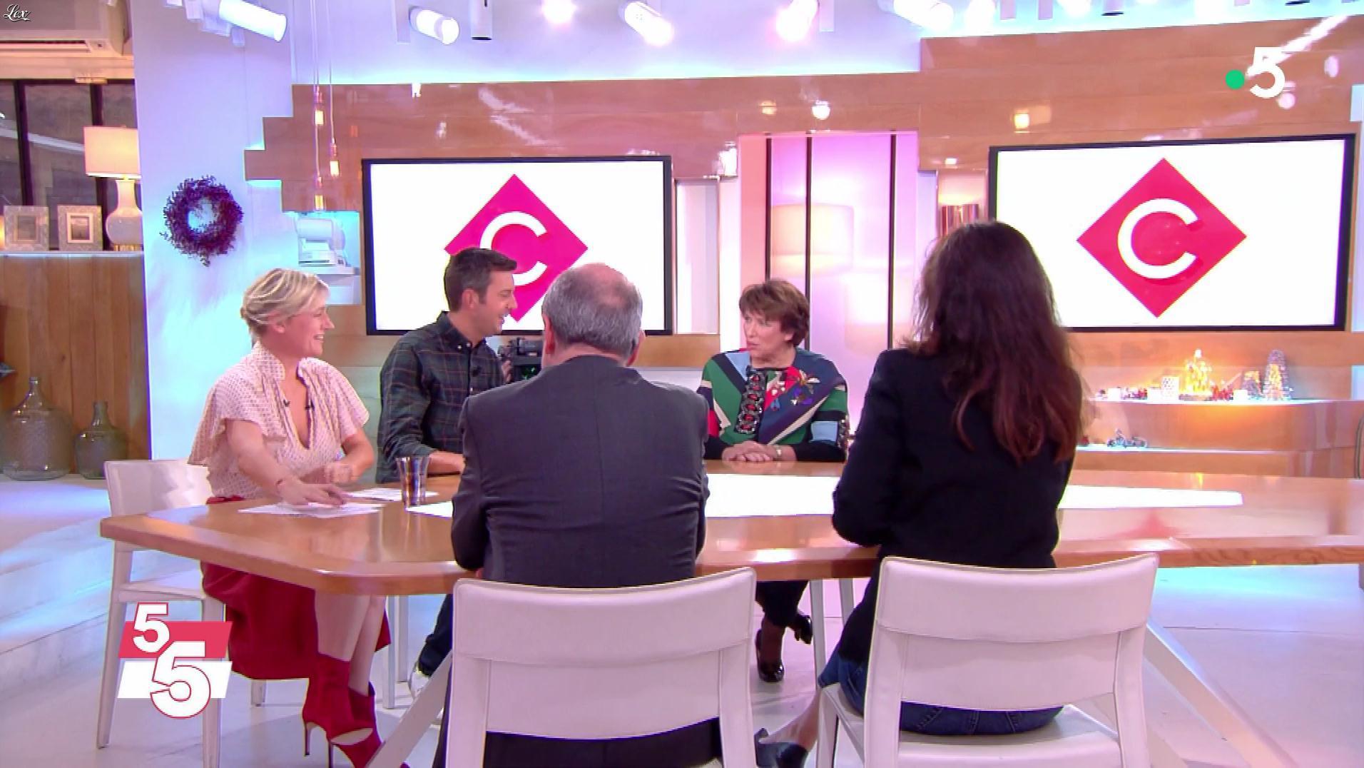 Anne-Elisabeth Lemoine dans C à Vous. Diffusé à la télévision le 01/01/19.
