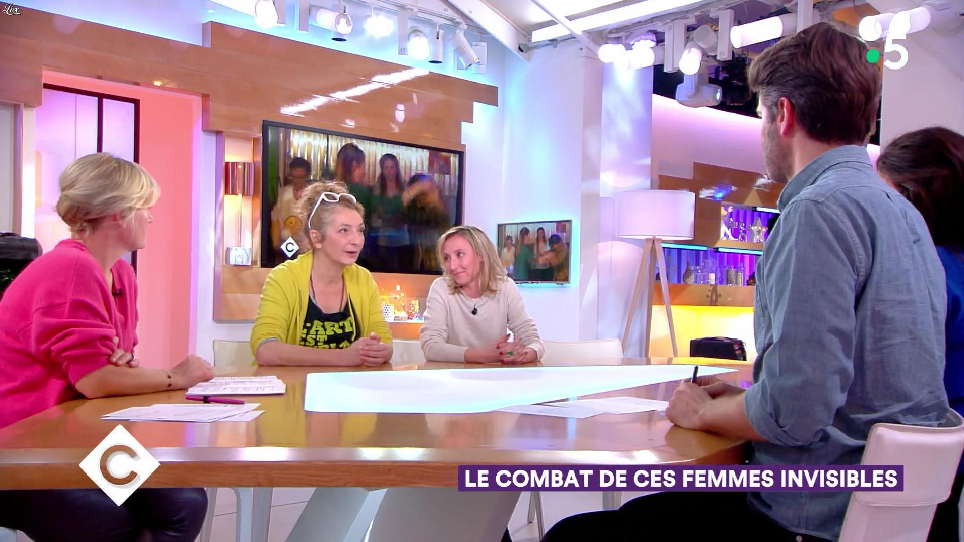 Anne-Elisabeth Lemoine dans C à Vous. Diffusé à la télévision le 21/12/18.