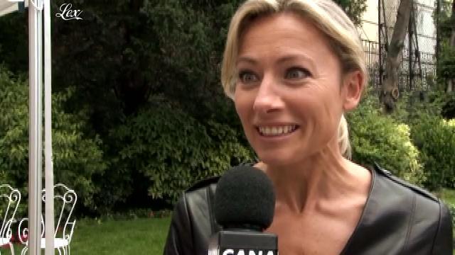 Anne-Sophie Lapix dans Clip de Rentree de Canal Plus. Diffusé à la télévision le 22/07/11.