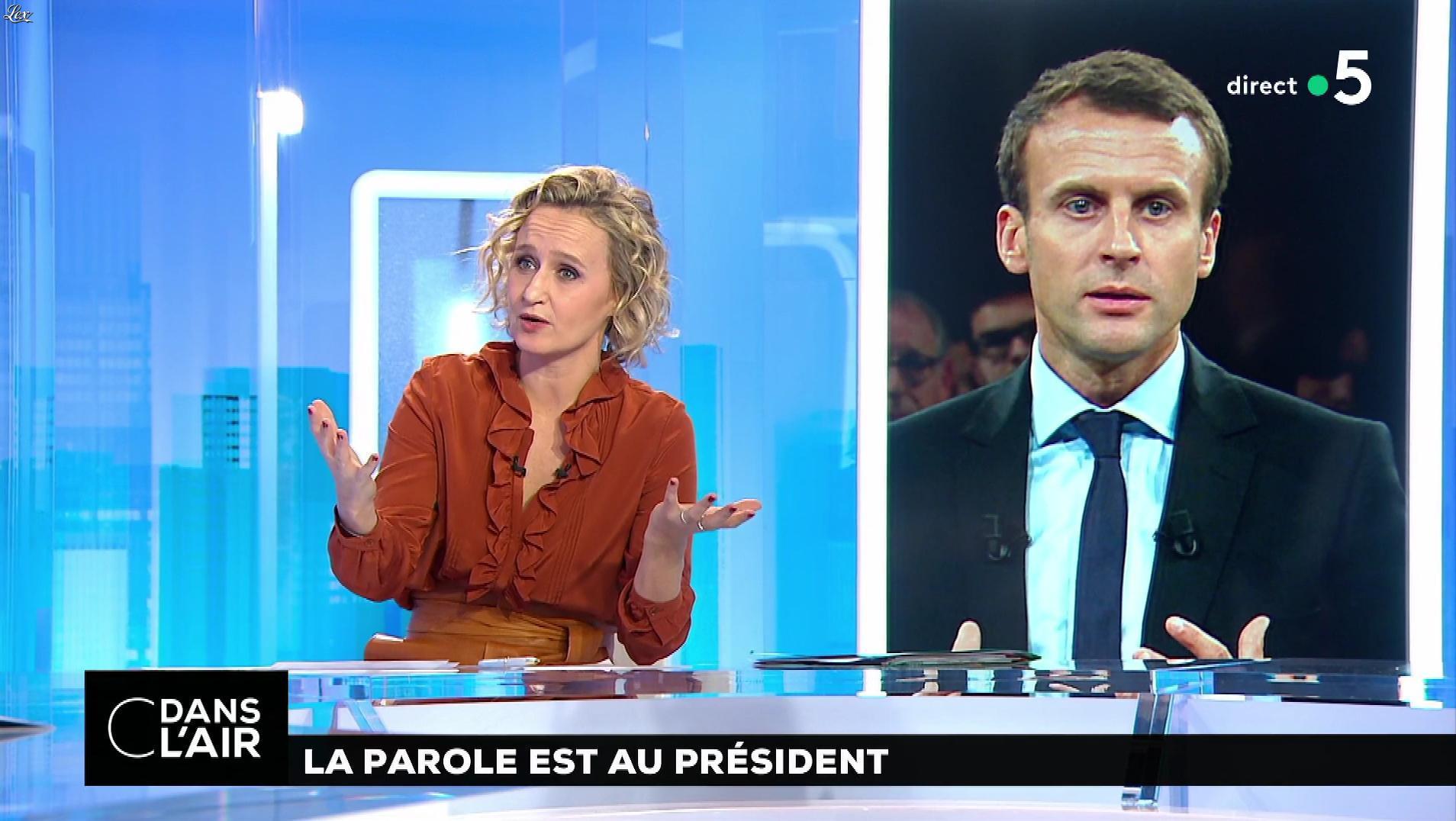 Caroline Roux dans C dans l'Air. Diffusé à la télévision le 10/12/18.