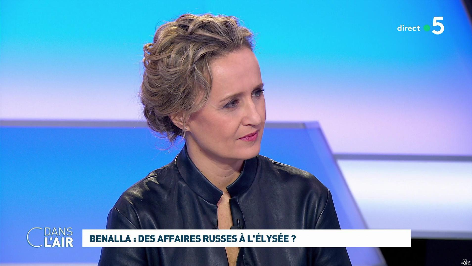 Caroline Roux dans C dans l'Air. Diffusé à la télévision le 12/02/19.