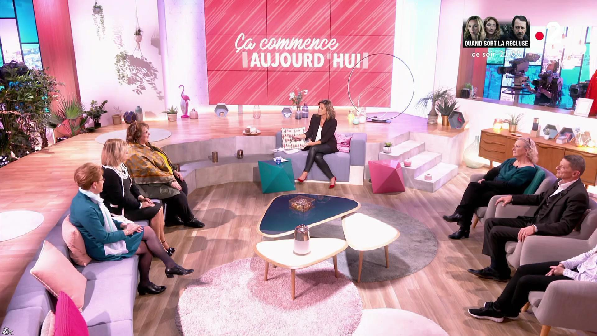 Faustine Bollaert dans Ça Commence Aujourd'hui. Diffusé à la télévision le 10/04/19.