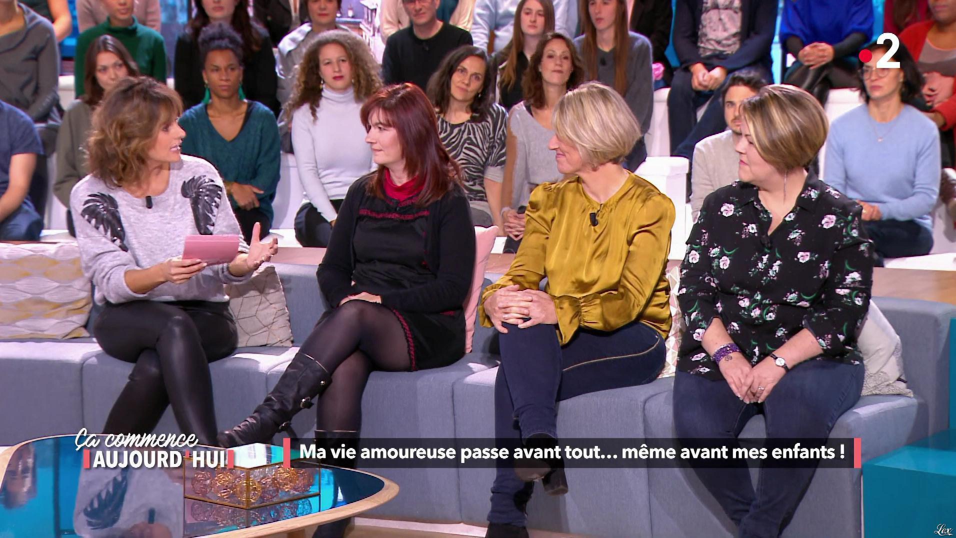 Faustine Bollaert dans Ça Commence Aujourd'hui. Diffusé à la télévision le 15/01/19.