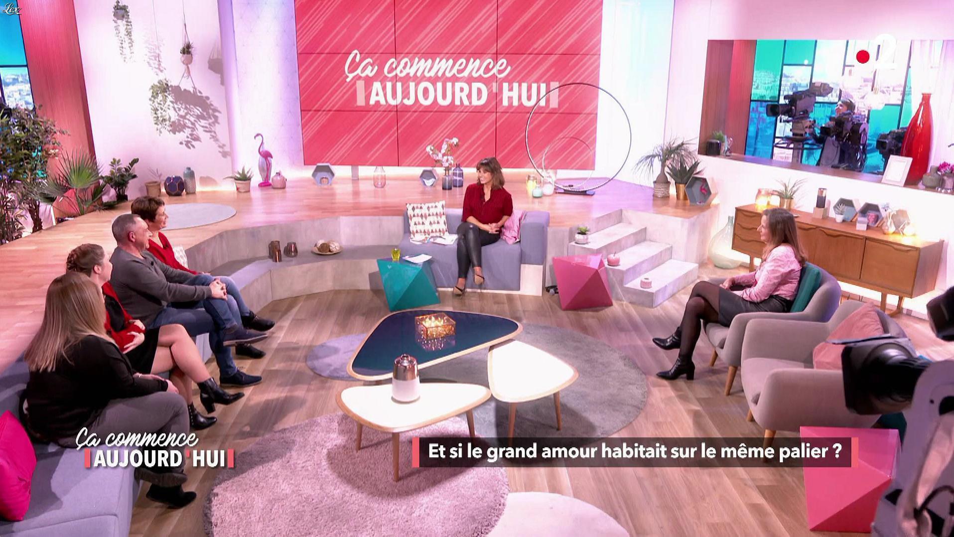 Faustine Bollaert et Florence Escaravage dans Ça Commence Aujourd'hui. Diffusé à la télévision le 05/03/19.