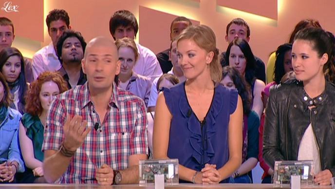 Anne-Solenne Hatte dans le Grand Journal De Canal Plus. Diffusé à la télévision le 23/03/11.