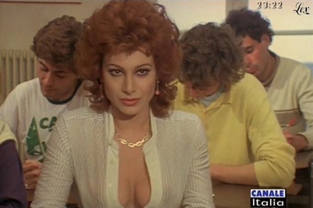 Carmen russo dans mia moglie torna à scuola. diffusé à la