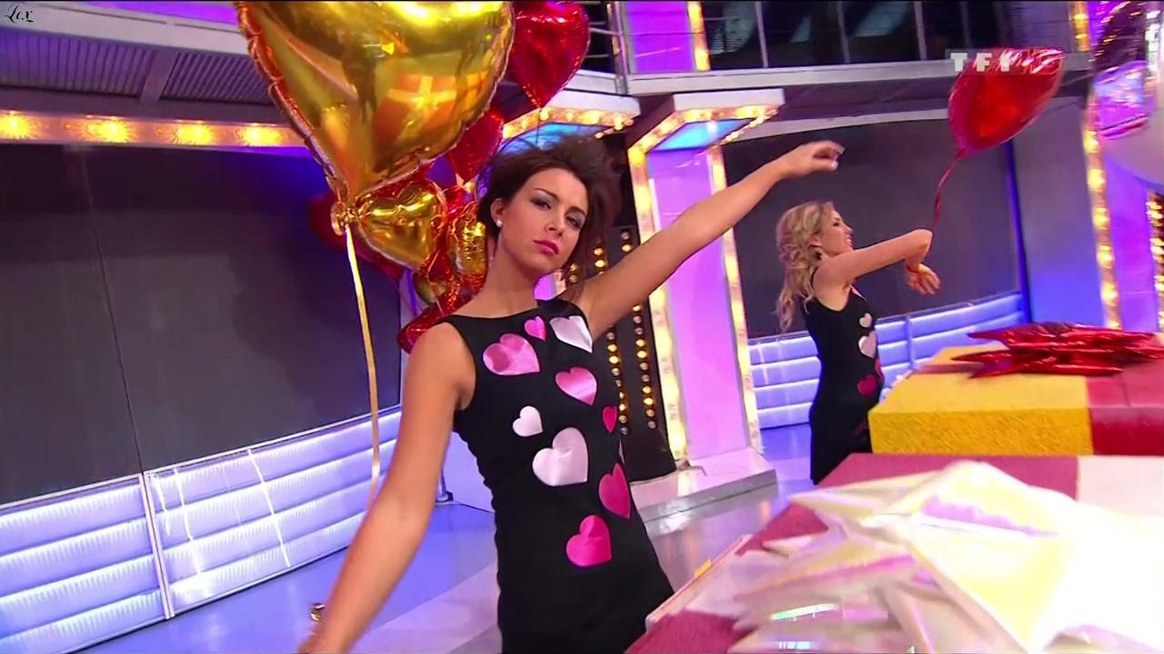 Les Gafettes, Nadia Aydanne et Fanny Veyrac dans le Juste Prix. Diffusé à la télévision le 14/02/11.