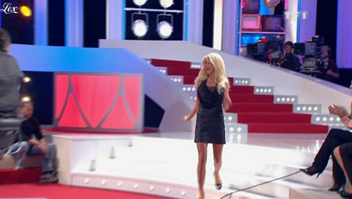 Victoria Silvstedt dans les Enfants De La Télé. Diffusé à la télévision le 06/02/10.