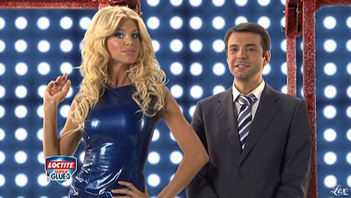 Victoria Silvstedt dans une Publicité Super Glue. Diffusé à la télévision le 12/12/10.