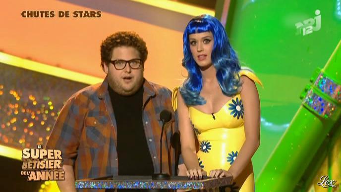 Katy Perry dans le Bêtisier de l'Annee. Diffusé à la télévision le 20/12/11.