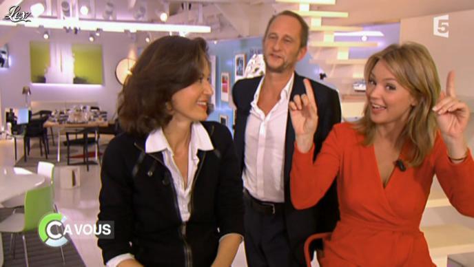Virginie Efira dans C à Vous. Diffusé à la télévision le 21/10/11.