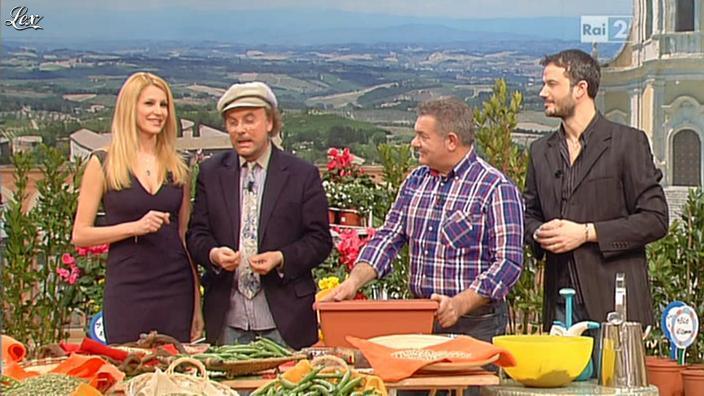 Adriana Volpe dans I Fatti Vostri. Diffusé à la télévision le 07/03/13.