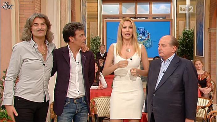 Adriana Volpe dans I Fatti Vostri. Diffusé à la télévision le 14/03/13.
