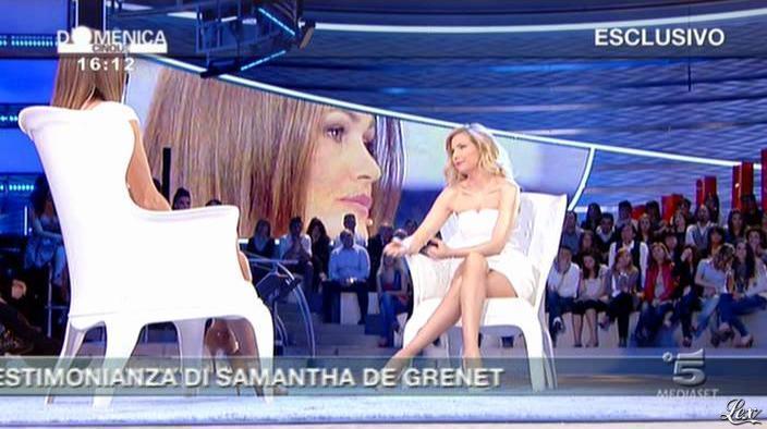 FederiÇa Panicucci et Samatha de Grenet dans DomeniÇa 5. Diffusé à la télévision le 17/04/11.