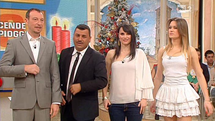 Lorena Bianchetti et Arianna Rendina dans Mezzogiorno in Famiglia. Diffusé à la télévision le 29/12/12.