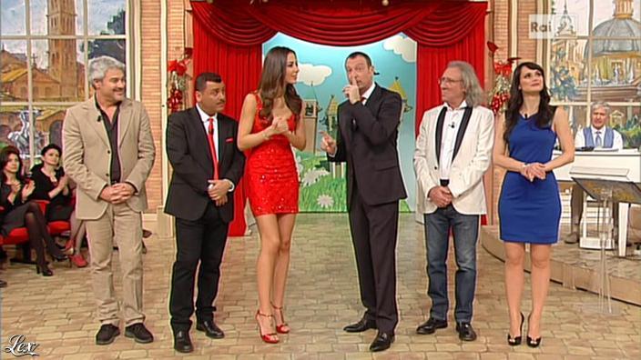 Lorena Bianchetti et Laura Barriales dans Mezzogiorno in Famiglia. Diffusé à la télévision le 30/12/12.