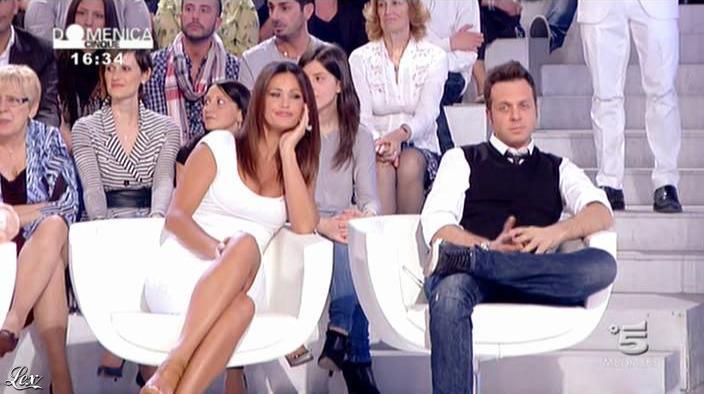 Samatha de Grenet dans DomeniÇa 5. Diffusé à la télévision le 17/04/11.