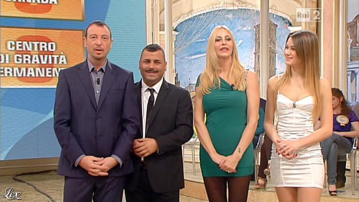 Stefania Orlando et Arianna Rendina dans Mezzogiorno in Famiglia. Diffusé à la télévision le 02/12/12.