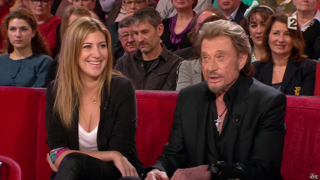 Amanda Sthers dans Vivement Dimanche. Diffusé à la télévision le 17/02/13.