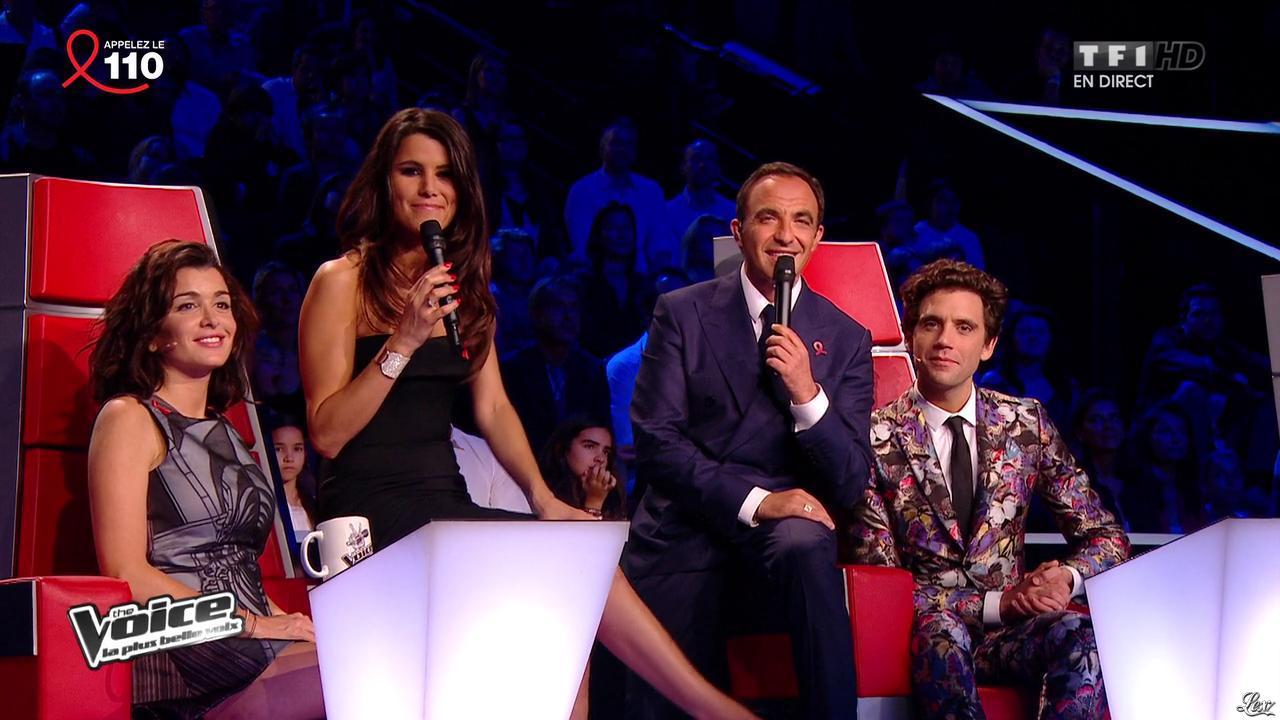 Jenifer Bartoli et Karine Ferri dans The Voice. Diffusé à la télévision le 05/04/14.