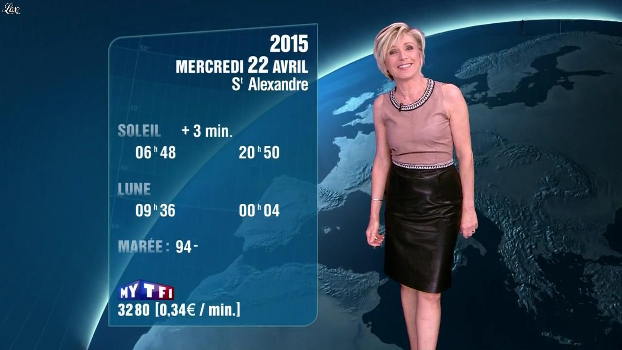 Evelyne Dhéliat à la Météo de 20h. Diffusé à la télévision le 21/04/15.