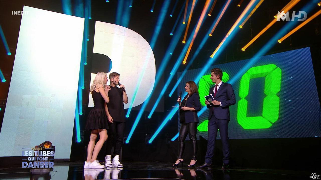 Faustine Bollaert et Camille Lou dans M6 Fête les 30 Ans du Top 50. Diffusé à la télévision le 22/04/15.