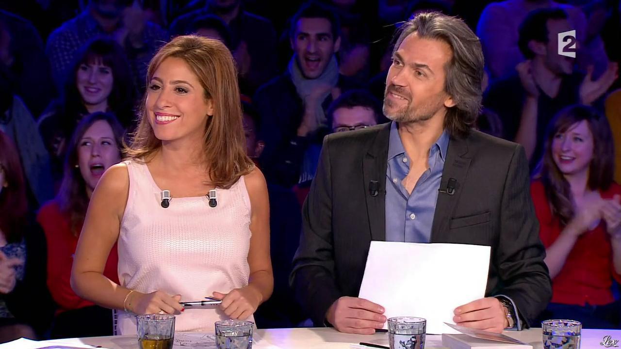 Léa Salamé dans On n'est pas Couché. Diffusé à la télévision le 15/11/14.