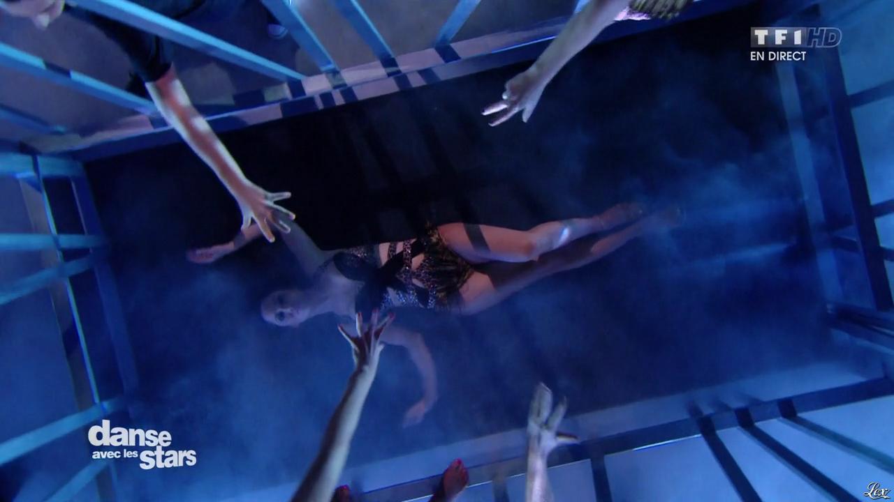 Fabienne Carat dans Danse avec les Stars. Diffusé à la télévision le 12/12/15.