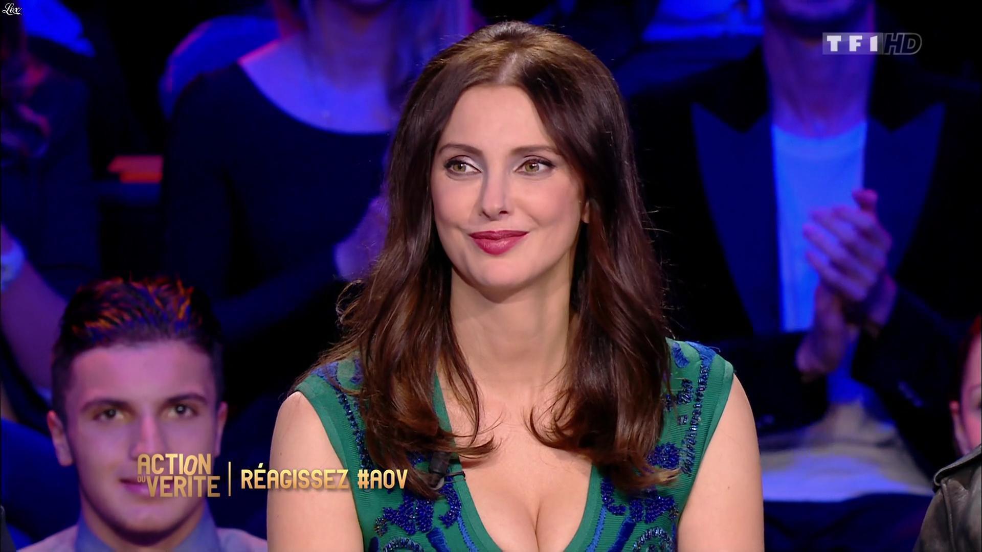 Frédérique Bel dans Action ou Verite. Diffusé à la télévision le 08/04/16.